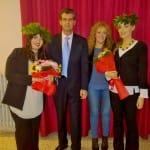 Festa e sorrisi per le neo dottoresse Traetto e Crocco: diplomi di Laurea alla Scuola Mediatori Linguistici del Villaggio