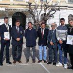 Emozione per sei studenti dell'Aeronautico che ricevono il brevetto di paracadutisti